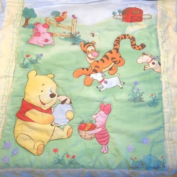 VTG Winnie the Pooh Baby Quilt